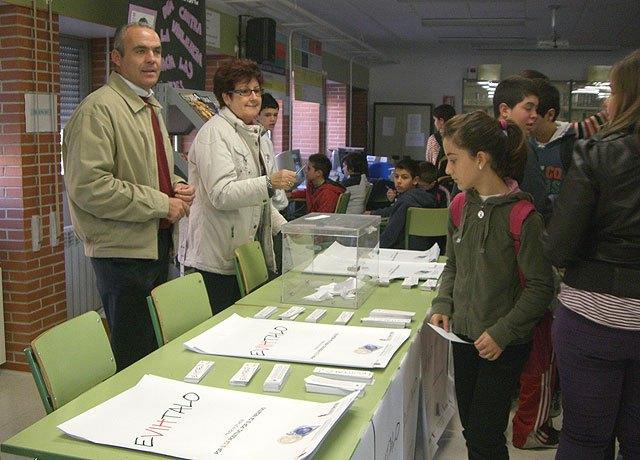 Campaña informativa para estudiantes coincidiendo con el Día Mundial de la Lucha Contra el Sida - 2, Foto 2