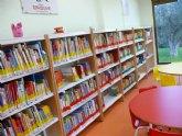 La biblioteca pública municipal ofrece ciberlibros a los niños con los que podrán leer, jugar y aprender idiomas