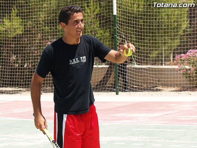 El tenista murciano Nicol�s Almagro protagonizar� el gran chupinazo con el que arrancar�n de forma oficial las fiestas patronales de Santa Eulalia, Foto 1