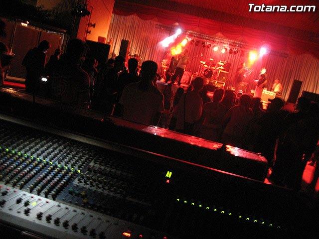 Contin�a el programa de las fiestas en honor a Santa Eulalia con la inauguraci�n de la feria de atracciones en el recinto ferial, Foto 1