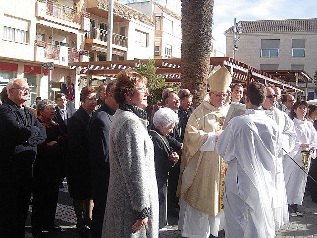 El Obispo José Manuel Lorca Planes preside la misa del día grande de las fiestas patronales en San Javier y bendice la calle dedicada a Antonio López - 1, Foto 1