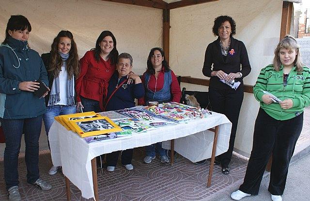 La Asociación ADICA pone en marcha un stand informativo coincidiendo con el Día Internacional de Personas con Discapacidad - 1, Foto 1