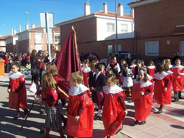 """Los alumnos de los colegios """"Reina Sof�a"""" y """"Santa Eulalia"""" celebran sendas romer�as en honor a la patrona, Foto 2"""