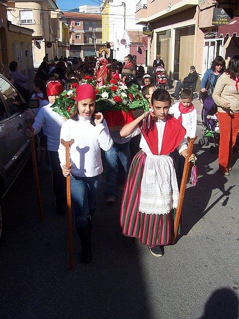 """Los alumnos de los colegios """"Reina Sof�a"""" y """"Santa Eulalia"""" celebran sendas romer�as en honor a la patrona, Foto 4"""