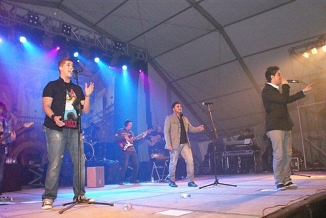 Más de 1.500 personas disfrutaron con el flamenco-pop de DECAI en las Fiestas de la Purísima - 1, Foto 1