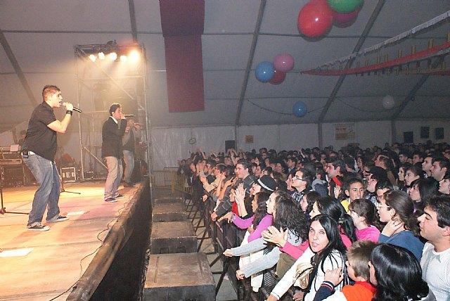 Más de 1.500 personas disfrutaron con el flamenco-pop de DECAI en las Fiestas de la Purísima - 2, Foto 2