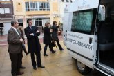Entrega furgoneta de Cajamurcia al Ayuntamiento