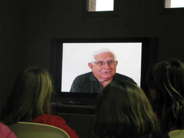 Un proyecto artístico convierte la memoria de los mayores en un abuelo virtual para los niños de familias extranjeras en San Javier - 1, Foto 1
