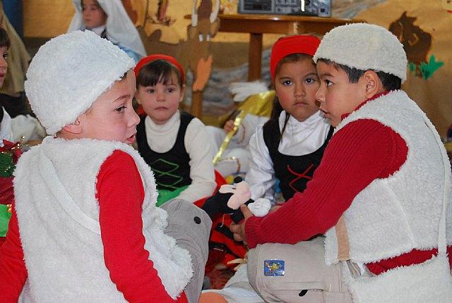 """Los usuarios de la residencia """"La Pur�sima"""" reciben la Navidad con dulces artesanos, Foto 4"""