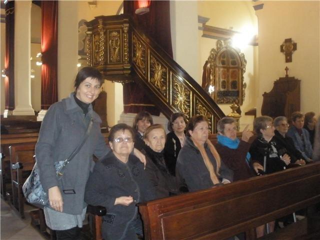 Los usuarios y profesionales del SED y del SEDA asistena a una misa celebrada en la iglesia de Santiago en honor Santa Eulalia, Foto 2