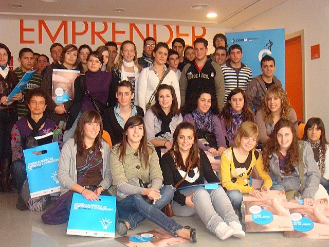 Alumnos del IES Oróspeda, de Archivel, aprenden de los emprendedores de CEEIM para montar una cooperativa - 1, Foto 1