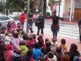 Los niños inauguran Riberaland, la tierra de la Navidad, en Santiago de la Ribera