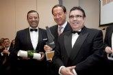 Cámara recibe el premio Fomento a la Salud Oral concedido por los Dentistas del país