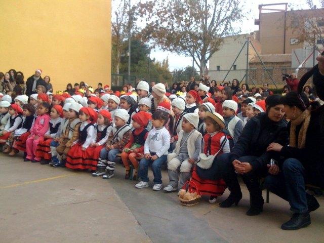 Los centros educativos de Totana finalizan el primer trimestre del curso escolar 2009/2010 con fiestas de Navidad, Foto 4