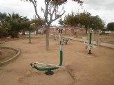 """La concejalía de Parques y Jardines instala """"un gimnasio"""" en el parque Los Ríos, de San Javier"""
