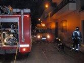 Efectivos de Bomberos Alhama-Totana, con presencia de Protecci�n Civil y Polic�a Local de Totana, sofocan en menos de una hora un incendio