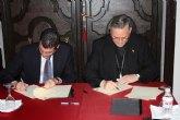 El Ayuntamiento firma un convenio con la Diócesis de Cartagena para culminar la obra de la torre-campanario