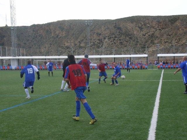 Los tropiezos del equipo de Los Pachuchos y Muebles Mondrián propician un triple empate en el liderato de la Liga de Futbol Aficionado, Foto 1