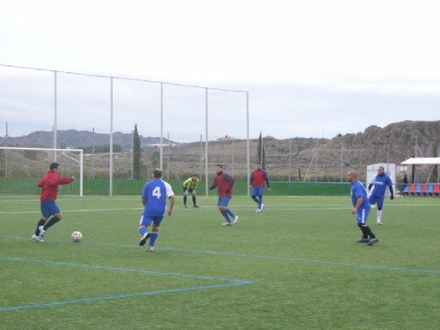 Los tropiezos del equipo de Los Pachuchos y Muebles Mondrián propician un triple empate en el liderato de la Liga de Futbol Aficionado, Foto 2
