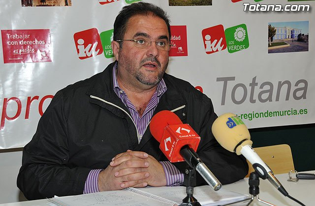 """IU claims that """"Martínez Andreo has launched an undercover catastrazo, which is becoming known in Totana, as the Tax Pools"""""""