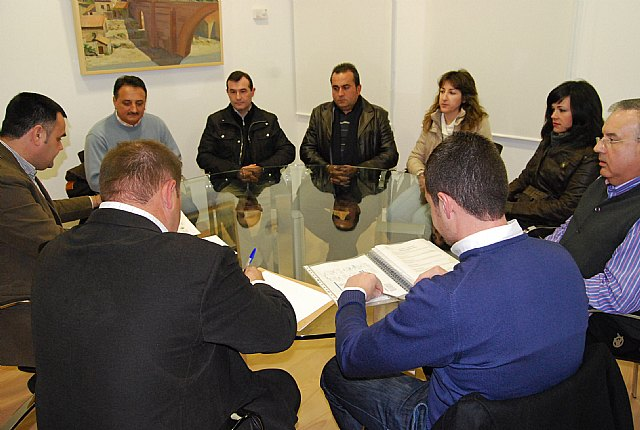 The mayor meets with the board of the Illustrious Cabildo Processions Senior Totana