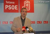 Los socialistas aseguran que 'el del PP de Totana se ha aislado de las instituciones y de su propia organización'