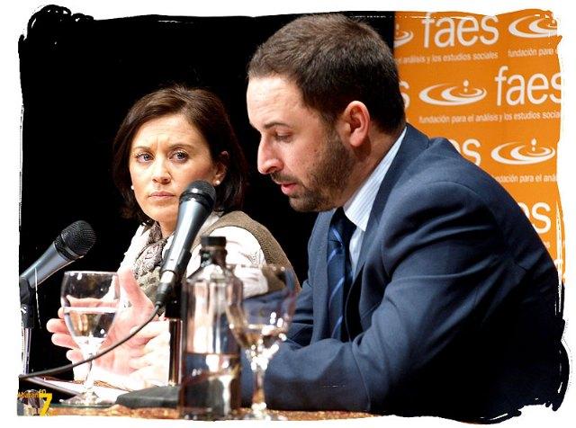 Santiago Abascal apuesta por un Gobierno nacional de coalición entre PP y PSOE, y sugiere una seria reforma de la Constitución - 1, Foto 1