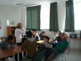 Los alumnos del Aula Ocupacional de Totana participan en un taller de educación afectiva-sexual