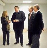La consejera de presidencia visita las obras de semipeatonalización y del nuevo cuartel de la Policía Local