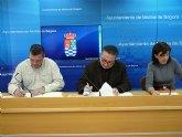 El Ayuntamiento y la Sociedad Protectora de Animales de la localidad firman un acuerdo de colaboración para la protección de animales y el fomento de su adopción