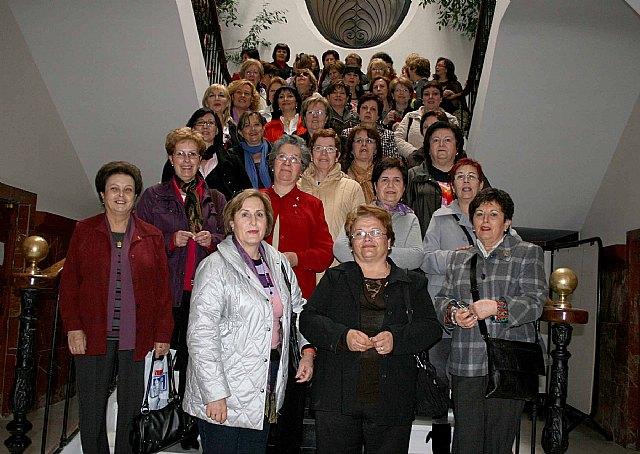 Usuarias de los centros de la mujer en Cabezo de Torres e Infante Don Juan Manuel peregrinan a Caravaca - 1, Foto 1