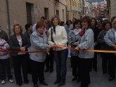 La edil Esther Hortelano inaugura la décimo novena edición del mercadillo artesanal de Blanca