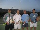 El Club de Tenis Totana celebra las 12 horas de tenis en un gran ambiente festivo