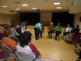 20 alumnas participan en el taller de risoterapia que Servicios Sociales desarrolla en el Centro Integral de San José  Obrero