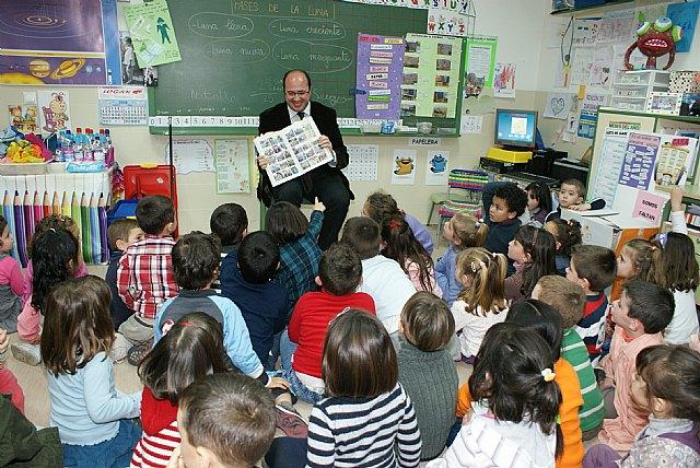 El Alcalde participa en un proyecto educativo junto a más de 200 alumnos del C. P. Juan Antonio López Alcaraz - 2, Foto 2