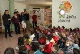La concejalía de Educación promueve un programa de visitas guiadas a la Biblioteca Municipal para explicar los nuevos servicios
