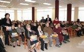 El Ayuntamiento hace entrega de más de un centenar de decodificadores de TDT a personas mayores y dependientes