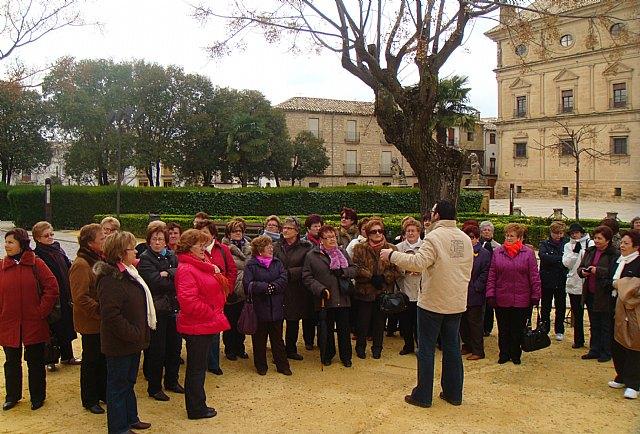 Más de 50 mujeres realizaron un viaje a Úbeda y Baeza - 1, Foto 1