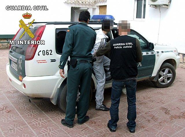 La Guardia Civil detiene a los tres integrantes de un grupo delictivo dedicado a la comisión de robos, Foto 1