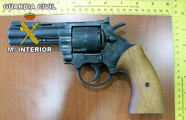 La Guardia Civil detiene a los tres integrantes de un grupo delictivo dedicado a la comisión de robos, Foto 3
