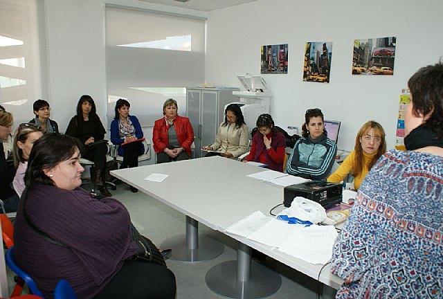 El Ayuntamiento pone en marcha un programa de 'Hablidades educativas' - 1, Foto 1