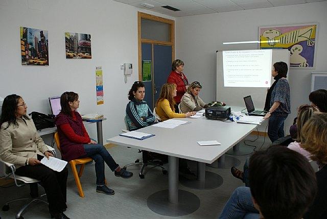 El Ayuntamiento pone en marcha un programa de 'Hablidades educativas' - 2, Foto 2