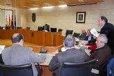 El alcalde y el concejal de Desarrollo Económico se reúnen con los empresarios de la construcción de la localidad