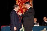 El Arsenal Militar de Cartagena, recibió el Gallo de Oro 2010 de la Hermandad de San Pedro Apóstol y Stmo Cristo de la Esperanza en Alcantarilla