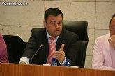 El alcalde anuncia la tercera bajada de los salarios del equipo de Gobierno, los jefes de servicio y altos cargos del ayuntamiento con un 6 por ciento