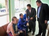 El alcalde y el consejero de política social visitan la fundación Andrés Martínez Cánovas