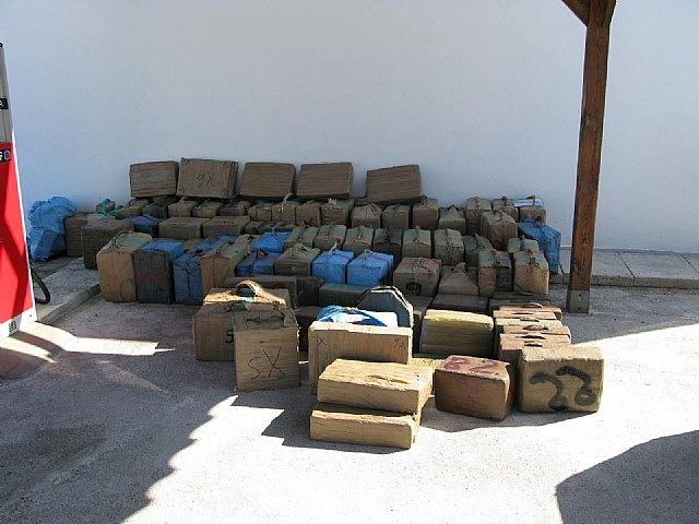 La Guardia Civil interviene más de tres toneladas de hachís en una embarcación - 2, Foto 2