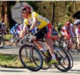 Luis León Sánchez apadrina el nuevo equipo ciclista de escuelas de Mula