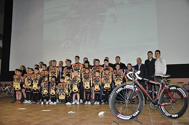 El ciclista muleño Luis León Sánchez preside la presentación de la Escuela de Ciclismo Sun&Racing Mula - 2, Foto 2