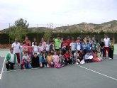 Los alumnos del Colegio Deitana visitan el Club de Tenis Totana
